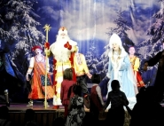 vyezdnye-novogodnie-spektakli