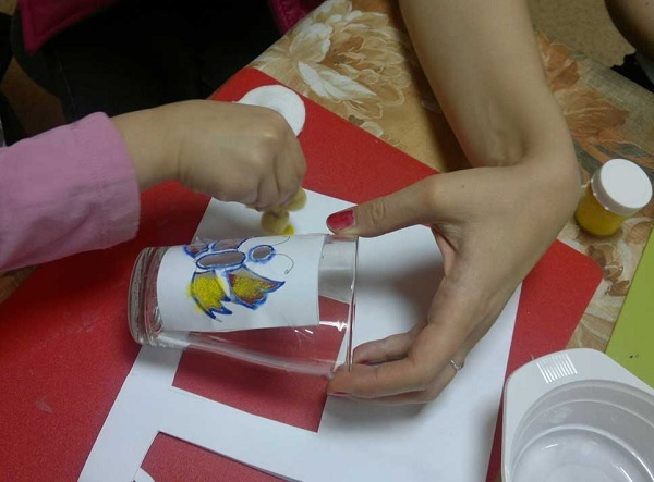 Мастер-класс для детей по росписи по стеклу